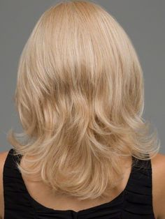 Medium Length Hairstyles for women over 40 with Round Faces 2