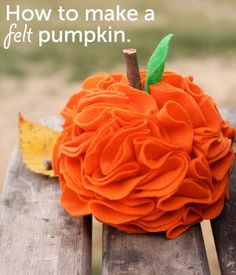 DIY Pumpkins Crafts : DIY  felt pumpkin DIY Fall Crafts DIY Halloween Decor