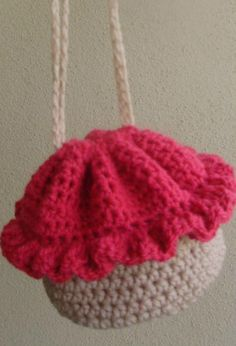 Free Crochet Cupcake Bag Pattern.