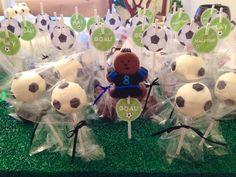 Soccer Cake Pops Soccer Cake Pops, Soccer Treats, Soccer Stuff, Soccer Party, I Am Game, Cakepops, Food Cravings, Tailgating, Balls