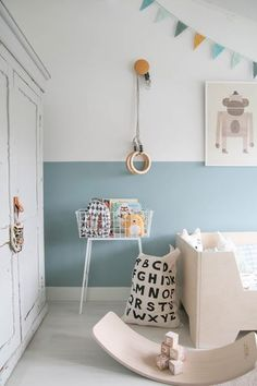 Kijkje in de peuterkamer (missjettle) Blue kids room halfpainted walls abc bag tellkiddo gym hooks dutch interior peuterkamer kids room styling Baby Boy Nursery Room Ideas, Room Baby, Child Room, Bedroom Colors, Bedroom Decor, Bedroom Ideas, Bedroom Themes, Bed Ideas, Blue Bedroom