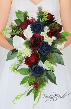 Navy Red Wedding, Navy Wedding Flowers, Red Bouquet Wedding, Winter Wedding Colors, Wedding Flower Arrangements, Bride Bouquets, Floral Wedding, Bouquet Flowers, Winter Wedding Bouquets