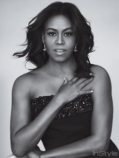 Best Dressed Celeb of 2016 - Michelle Obama We haven't had many first ladies that we can say have inspired us with their goals and aspirations. As much as their fashion and sense of style. Michelle E Barack Obama, Barack Obama Family, Michelle Obama Fashion, Irina Shayk, Joe Biden, Presidente Obama, American First Ladies, First Black President, Current President