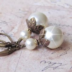 Pearl Earrings, Antique Brass and Pearl Earrings, Vintage Style Pearl Drop Earrings, Bridesmaid Earrings, White, Ivory Pearl Wedding Earring