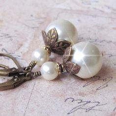 Pearl Earrings, Antique Brass and Pearl Earrings, Vintage Style Pearl Drop Earrings, Bridesmaid Earrings, White, Ivory Pearl Wedding Earring