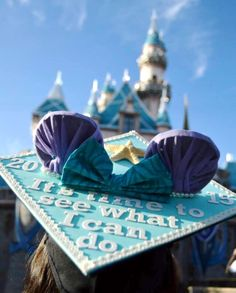 Little Mermaid + Frozen + Minnie Mouse = <3    Disney graduation cap ^.^ @ariellesthingamabobs