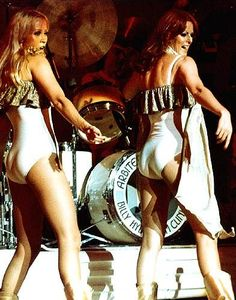 Agnetha and Frida perform a dance routine on the 1977 tour.