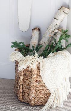 Merry Christmas, Cottage Christmas, Christmas Baskets, Christmas Signs, Rustic Christmas, Winter Christmas, Christmas Home, Christmas Greenery, Primitive Christmas