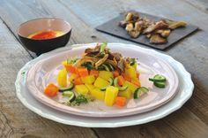 Kartoffel-Kürbis-Salat mit gebratenen Austernpilzen, Gartenkresse und Curry-Dressing