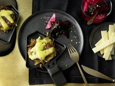 "Beste Rezepte: Raclette vom ""Nordberger"" mit Rösti, Südtiroler Speck & marinierter Roter Beete #kaese #kuestenkaese #unverschaemtlecker"