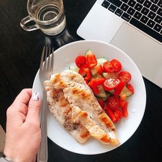 How to Get Picky Eaters to Eat Healthy Foods Healthy Meal Prep, Healthy Snacks, Healthy Eating, Healthy Recipes, Food Goals, Aesthetic Food, Food Inspiration, Love Food, Food Photography