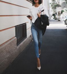 jeans and tee with heels