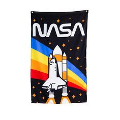 Officially Licensed NASA Approved Merchandise Woven Polyester, High Resolution Printed Design -Aluminum Grommets For Quick And Simple Hanging -Comes In Official NASA High Quality Packaging -Transform Your Room Into NASA Headquarters Odd Molly, Nasa Rocket, Piercings, Andromeda Galaxy, Moda Emo, Flag Banners, Space Shuttle, Astronomy, Print Design