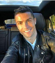 Pills Mix: Cristiano Ronaldo - Data y Fotos Cristiano Ronaldo 7, Ronaldo Cristiano Cr7, Cr7 Messi, Ronaldo Juventus, Lionel Messi, Beyonce, Rihanna, Steven Gerrard, Zinedine Zidane