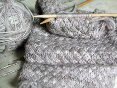 beautiful stitch Feel free to follow and join our new community board : Knitting stitches and tutorials for all. http://pinterest.com/DUTCHYLADY/knitting-stitches-tutorials-for-all/