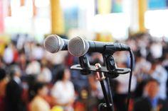 Conference spectacle management et mentalisme: Comme pour un manager ou un commercial, le mentaliste doit être face à son auditoire dans un état d'écoute et d'attention absolu. Il doit être capable de palier instantanément à toute faille qui risque de se présenter. Pour cela son travail est d'identifier les dangers afin de pouvoir les anticiper et d'y faire face avec efficacité et rapidité.
