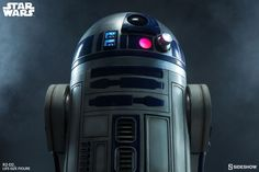 Star Wars R2-D2 Life-Size Figure 3