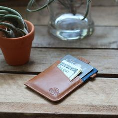 Minimalist Card Sleeves For Modern Travellers - Naiise.com