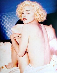 """Madonna's """"Express Yourself"""" music video is one of the most expensive to make sitting at a budget of $5 million. Madonna 80s, Lady Madonna, Madonna Hair, Madonna Family, Madonna Albums, Divas, Michigan, Madonna Pictures, Madonna Images"""