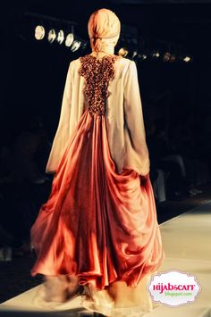 Indonesia Islamic Fashion Fair 2010 | Hijab Scarf