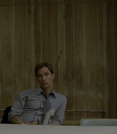 Matthew McConaghy as Detective Hayden Burke True Detective Rust, True Detective Season 1, Matthew Mcconaughey Young, Series Movies, Tv Series, Bad To The Bone, Film Serie, Celebrity Dads, Cultura Pop