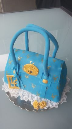 purse cake with self made logo (LF) for a special person L.F.