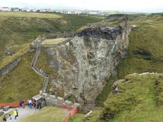 The Upper and Lower Mainland Courtyards, Tintagel Castle, Cornwall. (Photo: WendyJames ~ August 2015)