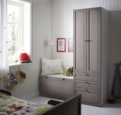 stuva system by ikea in a more traditional cabinet door-- love this kids room! Ikea Stuva, Ikea Wardrobe, Baby Deco, Traditional Cabinets, Ikea Design, Bench With Storage, Kids Storage, Toy Storage, Toddler Rooms