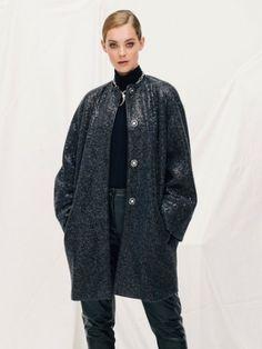 La última edición de burda style 2015 llega con propuestas versátiles, piezas marcadas por los tonos de la estación y por texturas en tejidos de lana, ¡perfectas para las próximas fiestas!