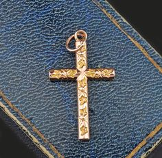 Vintage Ivy Cross 14K Gold Pendant Necklace #14K #Necklace #Vintage #Gold #Pendant #Cross #intage #ngagement #Cocktail #Gatsby