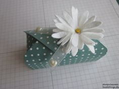 Schwarz – Weiß/mit Anleitung | Envelope Punch Board, Exploding Boxes, Explosion Box, Card Making Techniques, Stamping Up, Cardmaking, Goodies, Decorative Boxes, Gift Wrapping