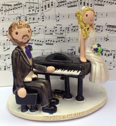 Grand piano cake topper x www.wedding-cake-toppers.co.uk