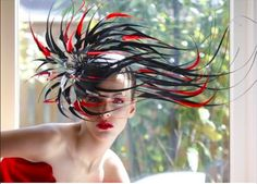 #PhilipTreacy #couture hat made of feathers #philiptreacyarchive