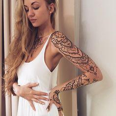 """I guess, I have a dream work Happy to be home❄️ Full #henna sleeve & lotus for lovely @svebushka Наверное, самая длинная #мехенди сессия в жизни Полный…"""