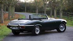 Jaguar E Type Roadster Top Sports Cars, British Sports Cars, Classic Sports Cars, Sport Cars, Classic Cars, Jaguar Xj40, Jaguar E Type, Jaguar Cars, Bugatti Concept