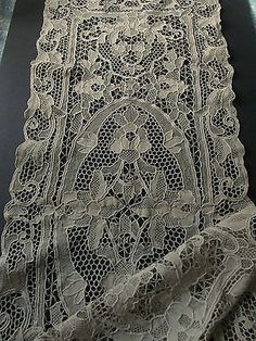 ANTIQUE-ITALIAN-RETICELLA-LACE-RUNNER-Vintage-Floral-Handmade-Table-Linen-15x41