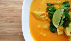 Soupe thaï au tofu, au cari et à la noix de coco! 381 calories/ 52 g glucides/ 10 g gras/ 26 g protéines
