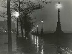 "Paul Martin ""A Wet Night on the Embankment"" 1895-1896 #Paul_Martin #London #XIX #Photo #streets"