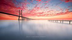 A red sunrise by Hugo Só on 500px