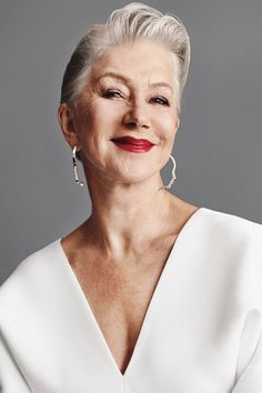 Short hairstyles and haircuts for older women 2021 Haircut For Older Women, Short Hairstyles For Women, Short Pixie Haircuts, Pixie Hairstyles, Hair Color For Women, Helen Mirren, Looking Gorgeous, Short Hair Styles, Hair Cuts