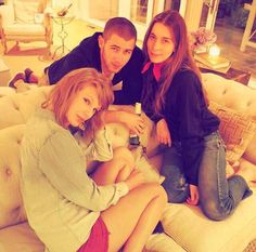"Taylor Swift Updates on Twitter: ""Taylor, Haim, & Nick Jonas on ..."
