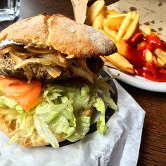 A comeeeeeeer!!! Ummmmm!! Día espectacular!! #davidymiriam #formacionsyo #mindsetsyo #food
