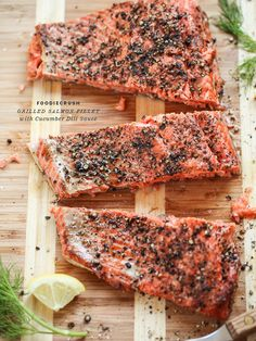 Grilled salmon fillet with cucumber dill sauce
