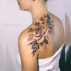 As 130 Melhores Tatuagens no ombro femininas da internet. Pretty Tattoos, Cute Tattoos, Beautiful Tattoos, Body Art Tattoos, Small Tattoos, Flower Tattoos, Back Of Shoulder Tattoo, Shoulder Tattoos For Women, Flower Tattoo Shoulder