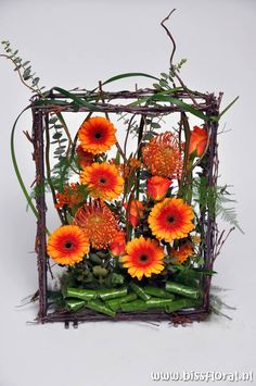 Beautifully in the Orange ... - gerberas in a frame| Floral Blog |  www.bissfloral.nl