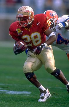RB Warrick Dunn : Top 10 Florida State Seminoles of all time  Won a National Championship with Florida State University.  Won a Super Bowl with the Tampa Bay Buccaneers .