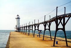 Manistee North Pierhead Lighthouse, Michigan at Lighthousefriends.com