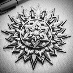Geometric Mandala Tattoo, Mandala Artwork, Mandala Tattoo Design, Mandala Painting, Geometric Tattoo Sketch, Geometric Tattoo Pattern, Mandala Sketch, Mandala Doodle, Mandala Art Lesson
