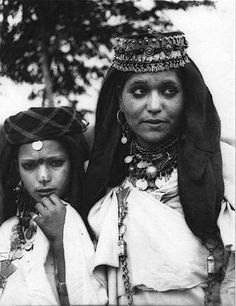 Africa | Two Jewish women wearing a 'tasfift' from the Tiilit region in the Dades Valley. Morocco. ca. 1935 | © Jean Besancenot