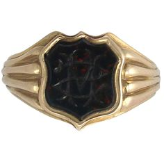 Bloodstone and 18k Yellow Gold Gent's Signet Ring - Antique 1907 | From a unique collection of vintage signet rings at https://www.1stdibs.com/jewelry/rings/signet-rings/